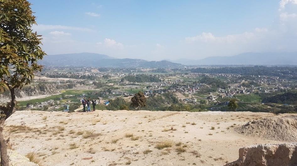 Unterstützung der Community bei Aufforstung in Suntakhan – jetzt Baumpate werden